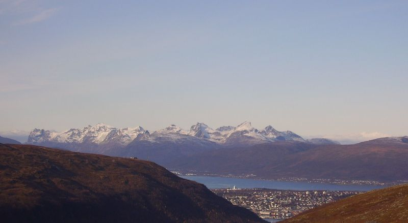 04-10-08 Tromsdalstind et neige (29)