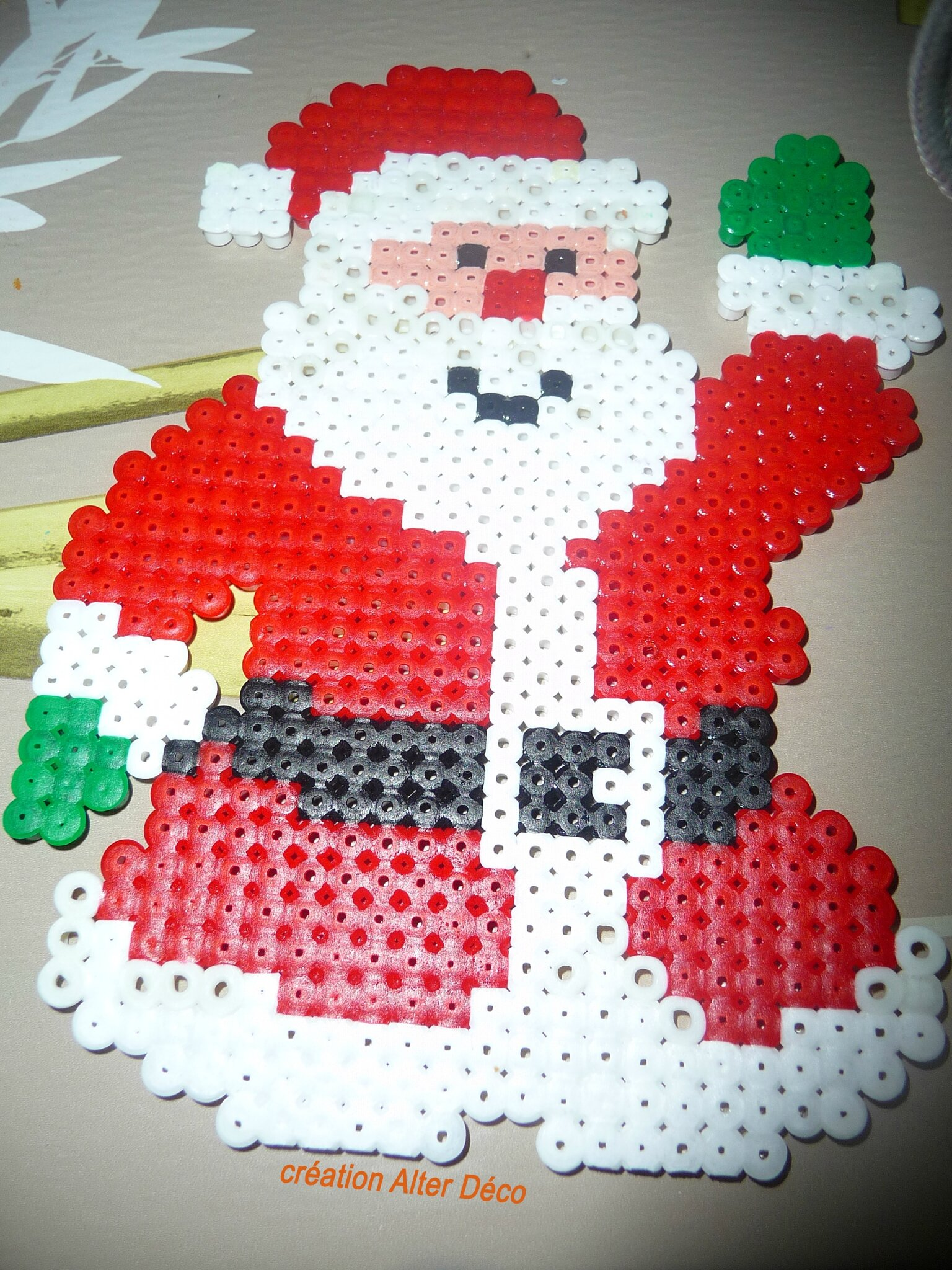 Père Noël en perles à repasser