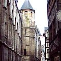 Tour de guet sur la rue Saint-Romain
