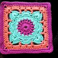 CROCHET D'ART NAPPERON CARRE 13 cm