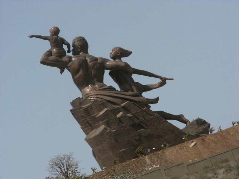 Monument-renaissanceafricaine2 (2)