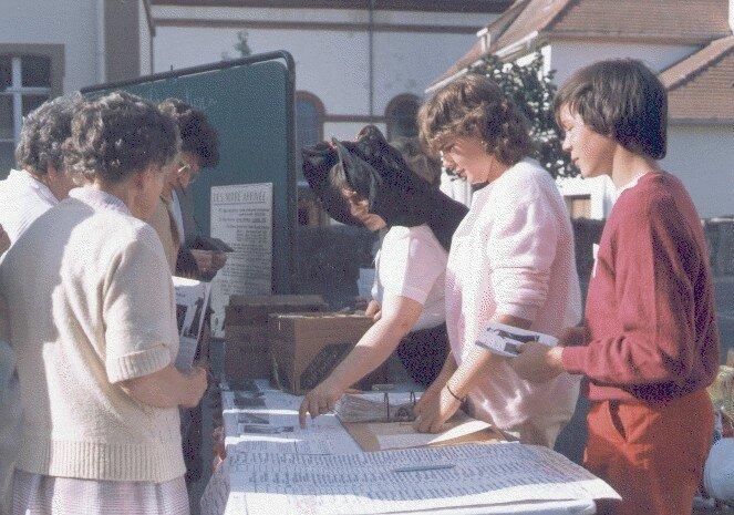 ACCUEIL DES PARTICIPANTS 1983