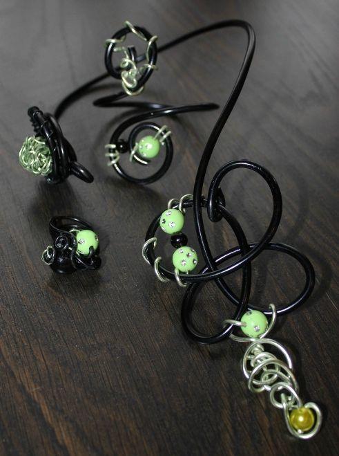 parure (46) vert-noir