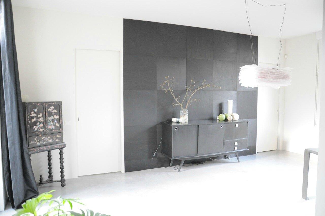 mur bois noir en damier