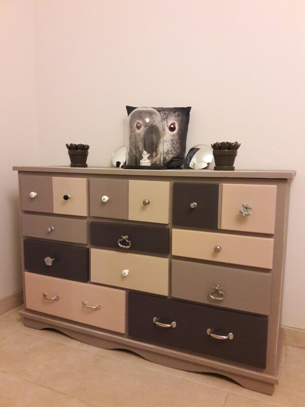 tutoriel relooker une grande commode en pin pour en faire. Black Bedroom Furniture Sets. Home Design Ideas