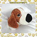 Doudou Peluche Chien Assis Blanc et <b>Marron</b> CP International