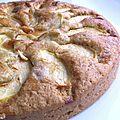 Gâteau amande, pomme & caramel au beurre salé