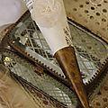 Cône posé sur une boite à bijoux jeanne d'arc living