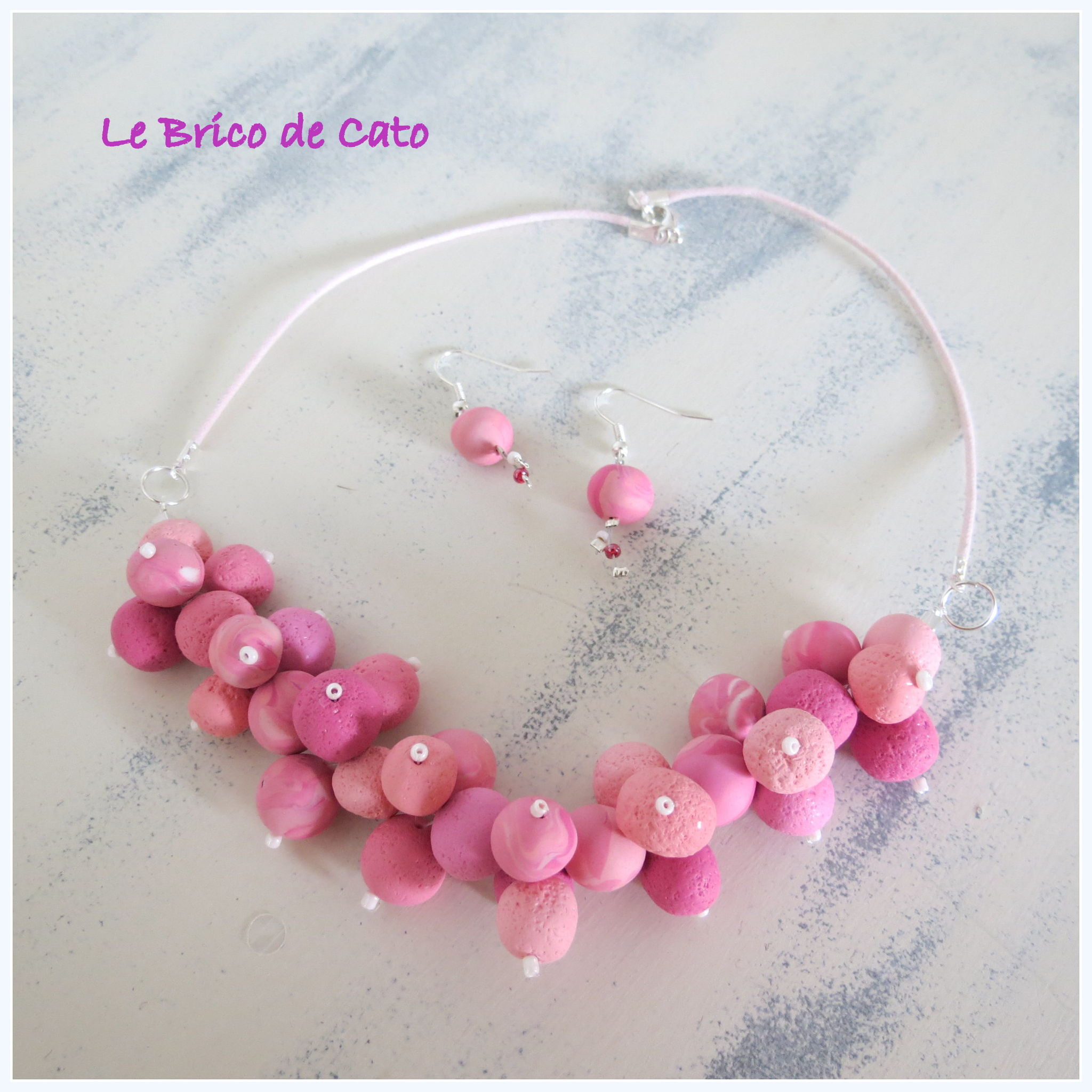 collier atome rose