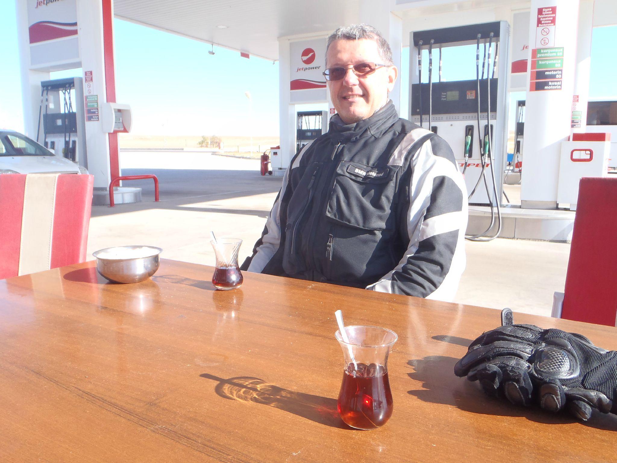 turquie : faites le plein de sourire en acceptant le tchai
