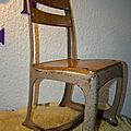 Chaise bois et métal fabriquée par la firme american seating