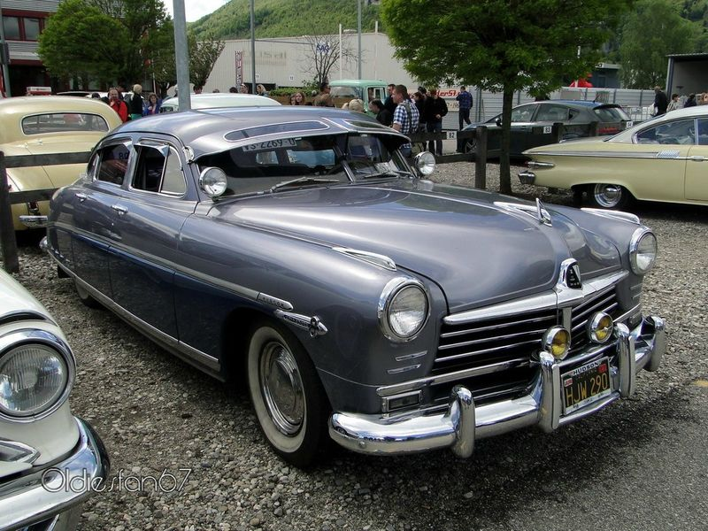 Hudson Commodore 8 4door Sedan, 1948 à 1949