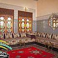 <b>Salon</b> / ameublement et <b>décoration</b> par un <b>salon</b> marocain traditionnel