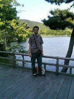 Moi devant l'étang