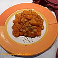 Curry de pommes de terre aux <b>pois</b> chiches