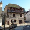 maison ancienne à Chateldon