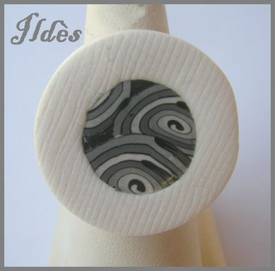 fimo bague ronde spirale grise 1