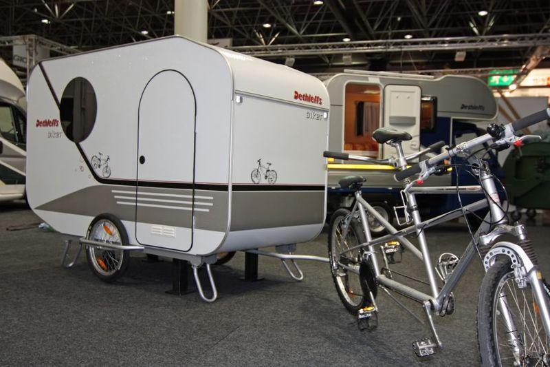 une caravane pour v lo une vraie remorques de v lo. Black Bedroom Furniture Sets. Home Design Ideas