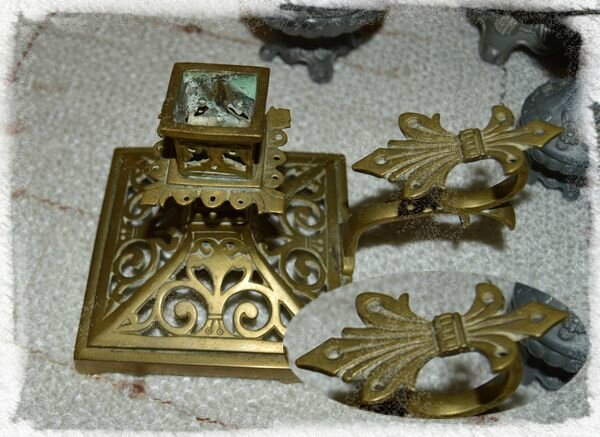 Bougeoir en bronze Fleur de Lys