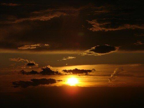 2008 04 27 Le coucher du soleil vu depuis la montagne du Meygal (9)