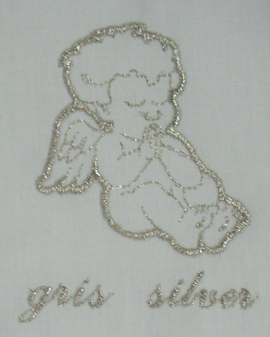 Un ange passe, écharpe de baptême en lin personnalisée, linge blanc de cérémonie, fil argenté métallique par AMD à Coudre
