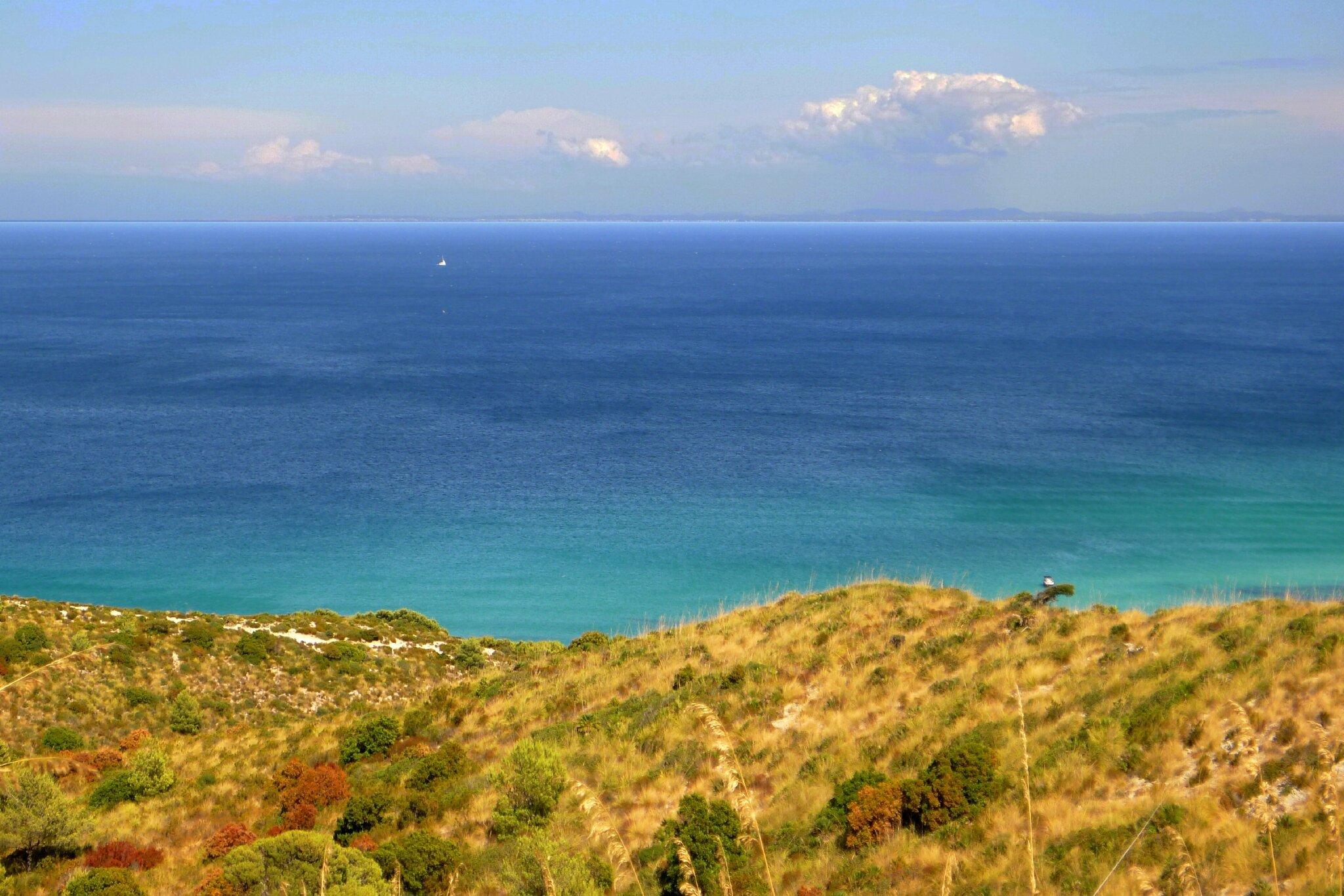 S'Arenalet d'Aubarca, on voit Minorque à 42 km