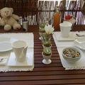 Petit dejeuner au balcon