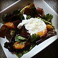 Salade gourmande orange, jeunes pousses, viande des grisons et oeuf poché