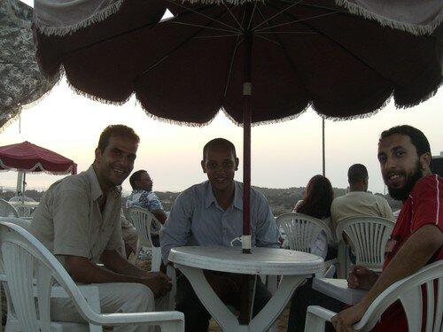 Rachid et ses amis, sur la plage