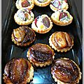 Tartelettes automnales : mini tatin d'échalotes et raisin/fourme d'ambert