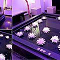 Création de <b>fleurs</b> en <b>papier</b> synthétique (nénuphar) pour une décoration événementielle / Water lily paper.
