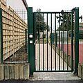 21 La grille d'entrée sécurisée