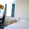 Comment trouver une chambre pas chère cet été