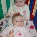 Enola en haut et Alicia