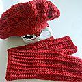 Gants et Beret rouge 1 maille relief crochet
