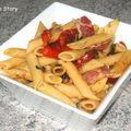 Pâtes aux tomates confites, artichauts grillés et pancetta croustillante, aussi bon chaud que froid