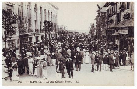 14 - DEAUVILLE - Rue Gontaut Biron