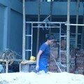 les femmes travail aussi sur les chantiers, et durement
