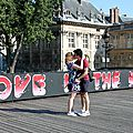 Pont des arts, Brusk (Love is the key), amoureux_8317