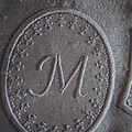 Mini monogramme M