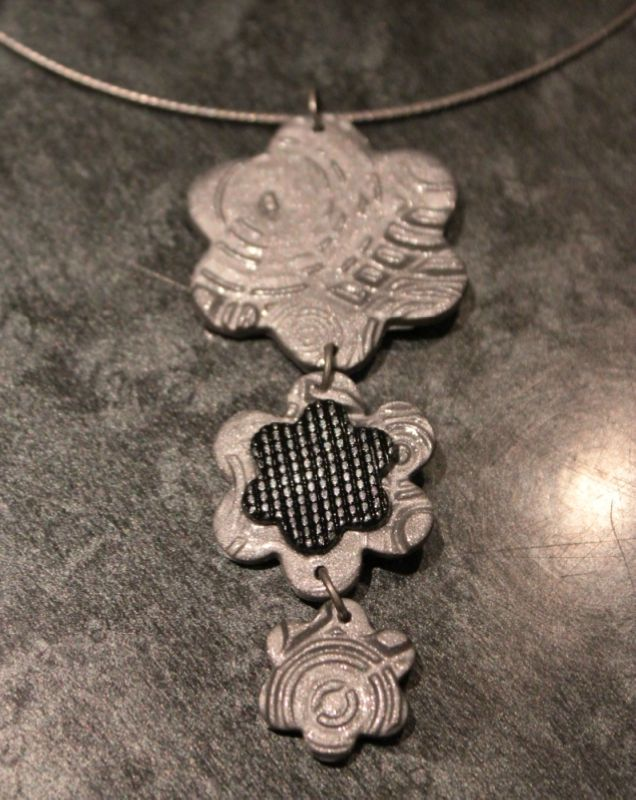 collier (56)