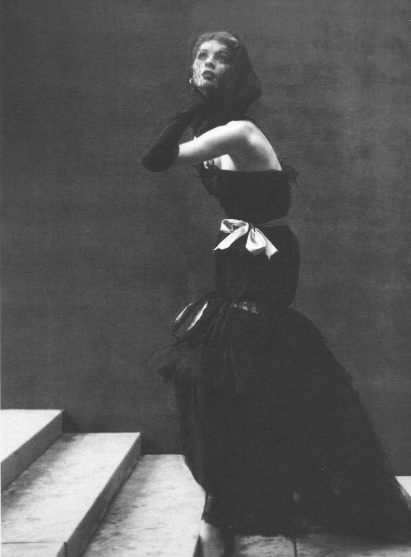 Balenciaga. Harper's Bazaar, October 1952 (photograph by Richard Avedon)