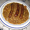 Marmite de lentilles aux chipolatas aux lardons et piment d'Espelette