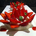Corolle de fraises sur flan délicatement parfumé au basilic