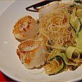 Pétoncles ou st-jacques sur nouilles à la chinoise, sans gluten et sans lactose