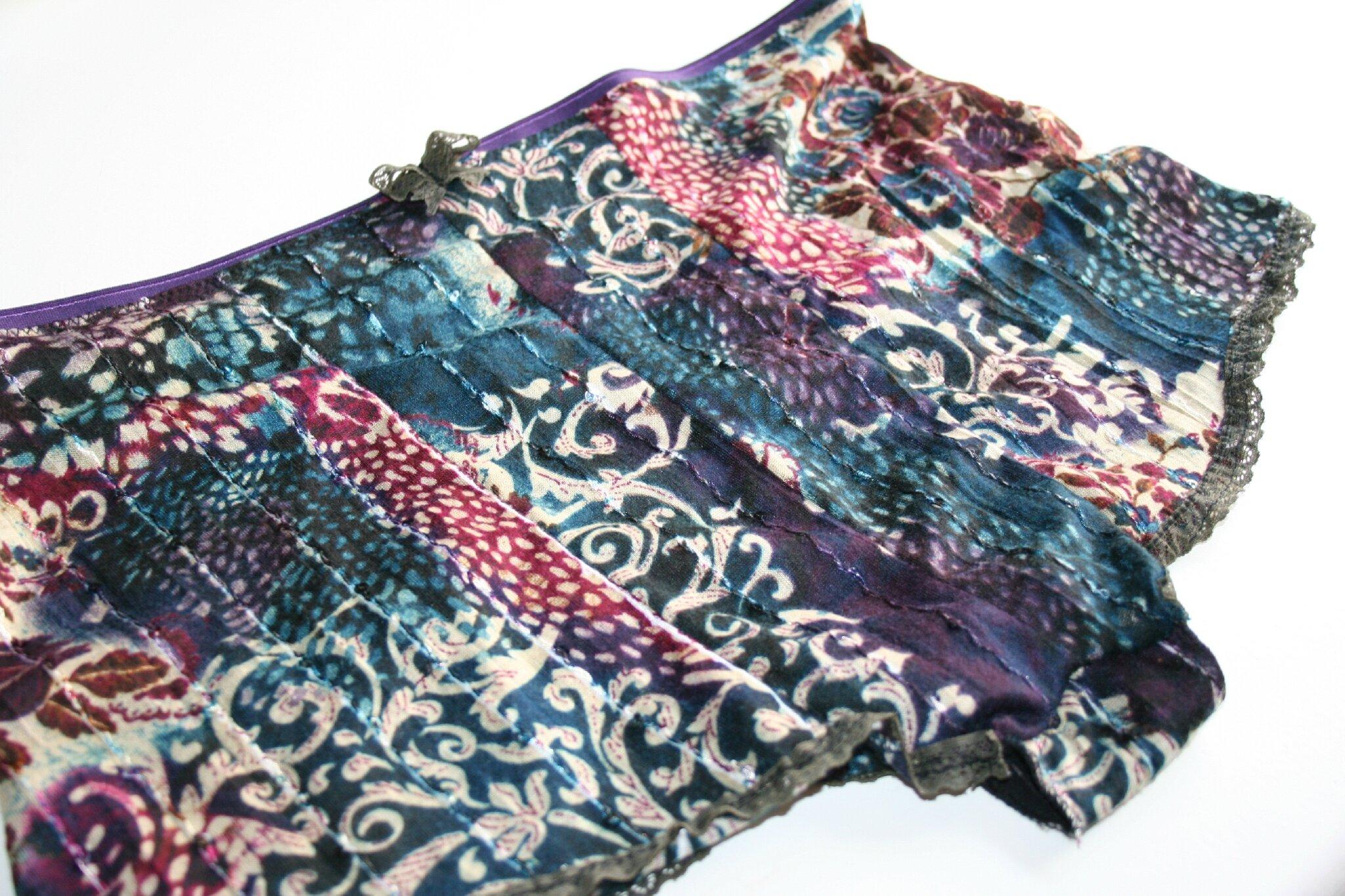 Une culotte taille haute vintage dans un top