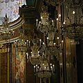 Les fabuleux <b>lustres</b> baroques des églises italiennes