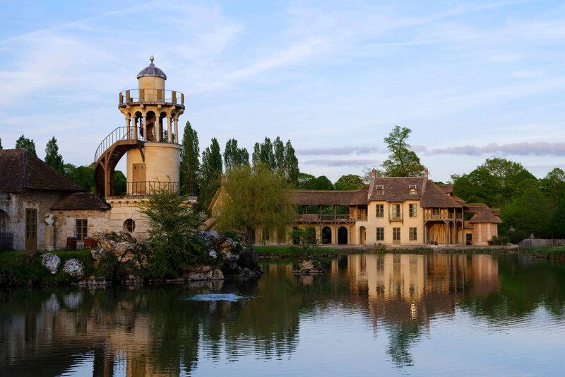La Maison de la Reine restauree et la Tour de Malborough - Photo Château de Versailles
