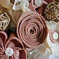 rose poudré détail rose de feutre