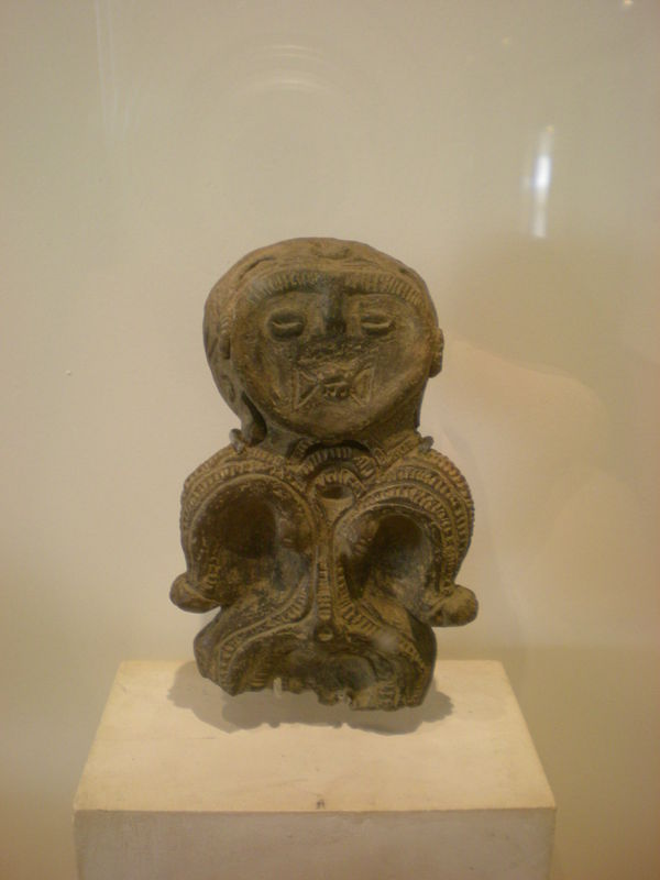 09-Figurine dôgu, région du Kantô ou du Tôhoku, Jômon postérieur